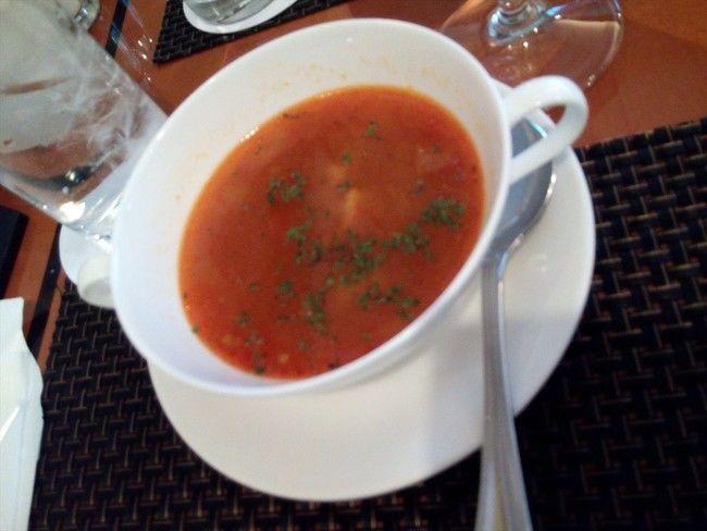 トリコロールワンプレートのスープ